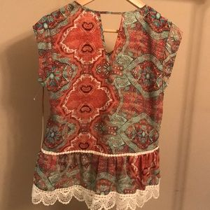 Gibson Latimer Tops - NWT Gibson Latimer Lace Trim Blouse - Size Small
